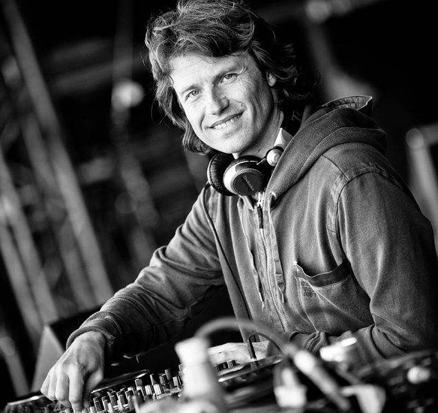 VA - Hernan Cattaneo @ Cream Arena, Creamfields Buenos Aires Buenos Aires, Argentina 2015-11-14 Best Tracks Chart