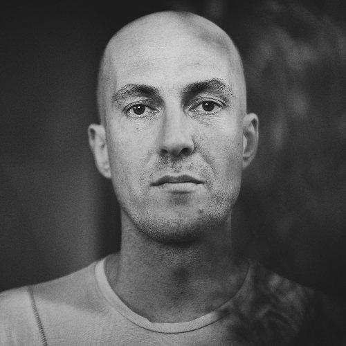 Julian Jeweil ARTIST OF THE WEEK CHART