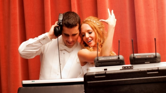 Udemy Start Your Own Wedding DJ Business TUTORiAL